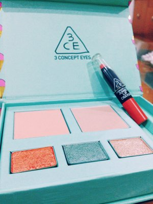 3Concept Eyes by Style nanda's Ice cream kit in #mintcaramel . It contains : 1. Peach blush 2. Beige highlighter 3. Eye shadows in Starseed, Neptune, and Sparkling 4. Pop Orange Jumbo Lip Crayon  Can't wait to try them! Thanks to my friends for this cool bday gift! ^0^
