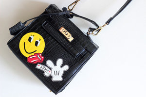 it's not hermes, it's just a quirky parody bag! JOIN MY GIVEAWAY http://tinyurl.com/veren-giveaway if u like this bag ;)